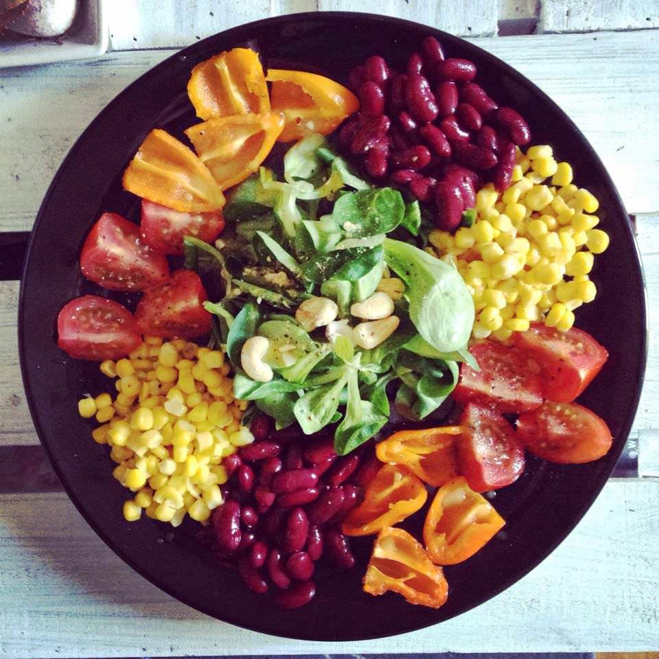 Salat mit Orangen-Senf Dressing