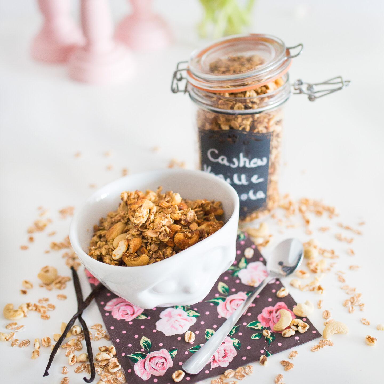 Homemade Cashew Vanille Granola