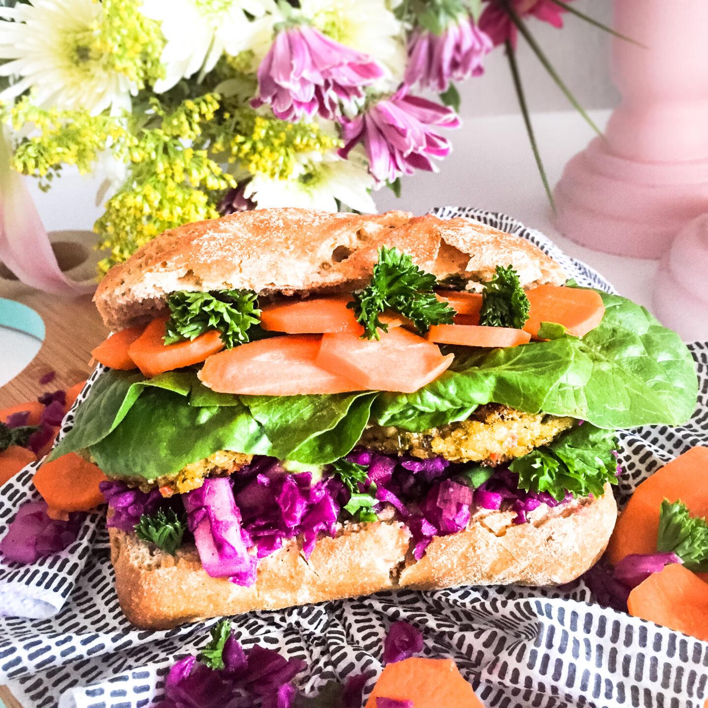 Rotkohlsalat im Sandwich