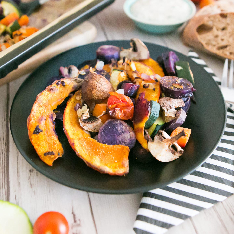 Herbstliches Ofengemüse mit Dip