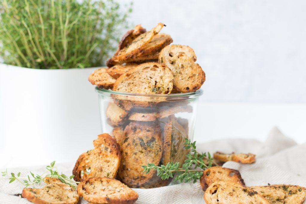 Knusprige Chips aus Brot