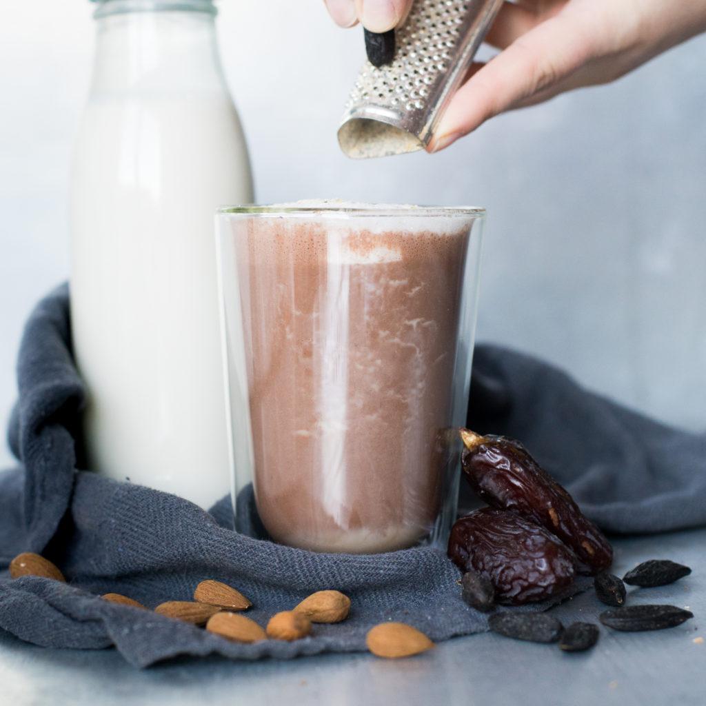 Heiße Schokolade mit Tonkabohne